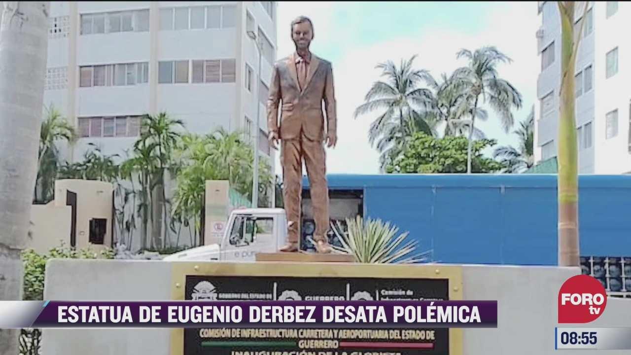 develan estatua de eugenio derbez en acapulco pero luego la cubren con plastico