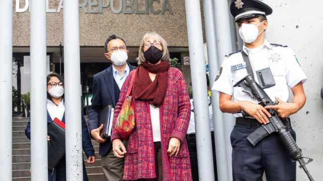 Dos científicas acusadas de corrupción comparecen ante FGR.