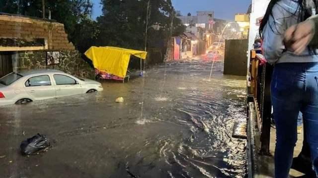 Fuertes lluvias anegan Tepoztlán, Morelos; reportan severas afectaciones