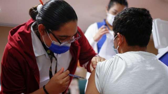 India supera las mil millones de vacunas antiCOVID administradas