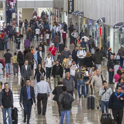 Usuarios en el Aeropuerto Internacional de la Ciudad de México (Cuartoscuro)