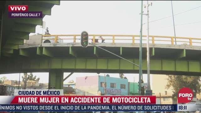 muere mujer a bordo de una moto tras caer de puente vial en pantitlan