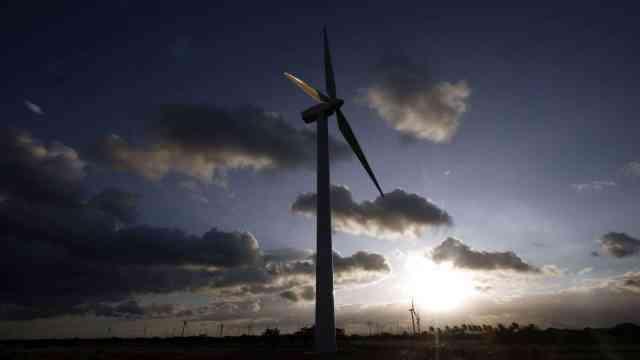 EEUU alerta que Reforma Energética de AMLO podría disparar precios de luz 54%