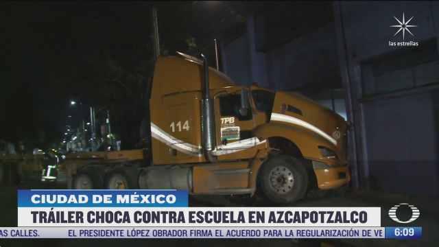 trailer choca contra pared de una escuela en azcapotzalco cdmx