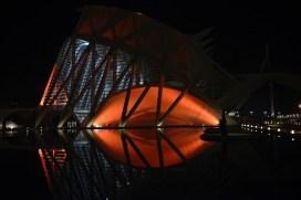 iluminacio de taronja ciutat de les arts i les ciencies