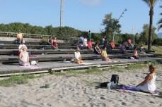 200622 yoga en la playa (3)