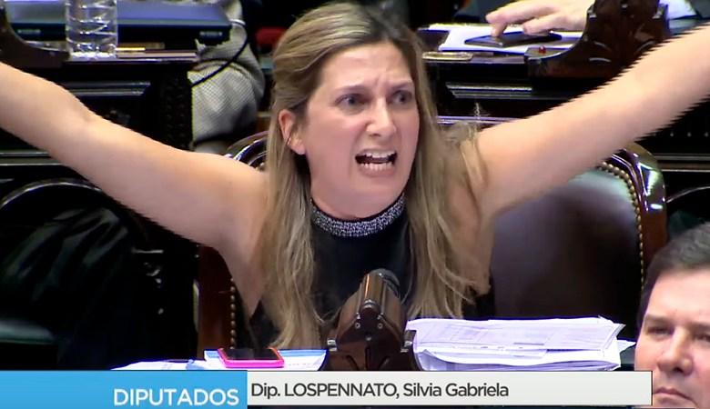 Photo of Chat de WhatsApp desató un escándalo en Diputados