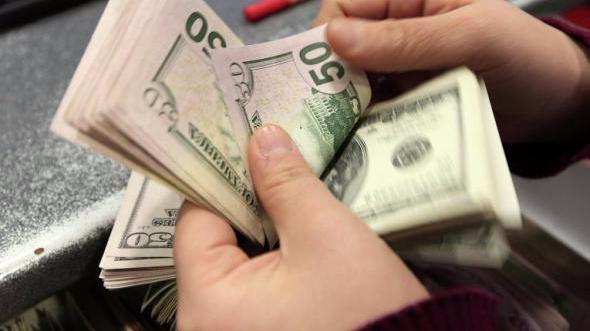 Photo of ¿Vuelve el cepo? Clientes están experimentando problemas para comprar dólares en los bancos