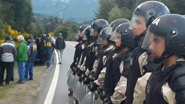 Photo of Asesinato de Rafael Nahuel: la Justicia asegura que los mapuches no tenían armas de fuego