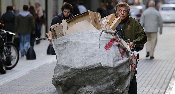 Photo of «La pobreza podría aumentar de forma importante» advierten desde la UCA