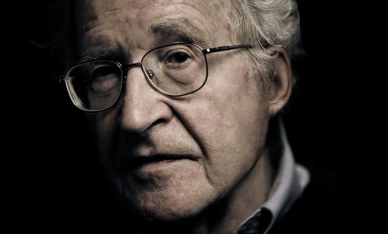 Photo of Chomsky y 70 intelectuales piden a Trump no intervenir en Venezuela