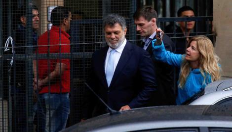 Carlos Tevez, astro del fútbol y delantero de Boca Juniors, fue socio del cuestionado presidente neoliberal argentino, Mauricio Macri, en el negociado de los parques eólicos.