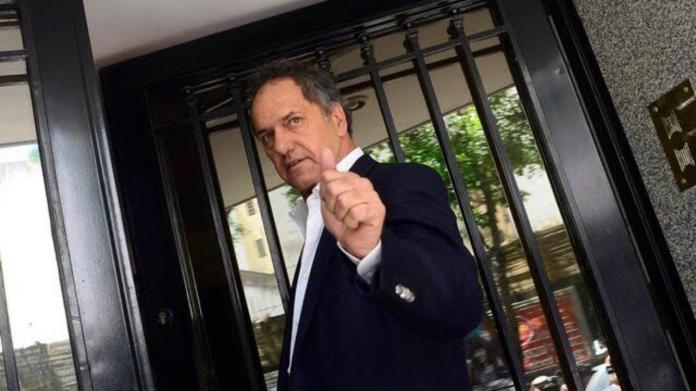 El ex-candidato a presidente por el Frente para la Victoria, Daniel Scioli, confirmó que se volverá a presentar a la contienda este año 2019.