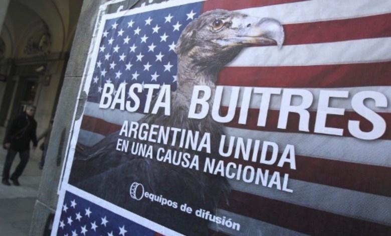 """Photo of Bloomberg: """"Los fondos buitres están sobrevolando nuevamente la Argentina"""""""