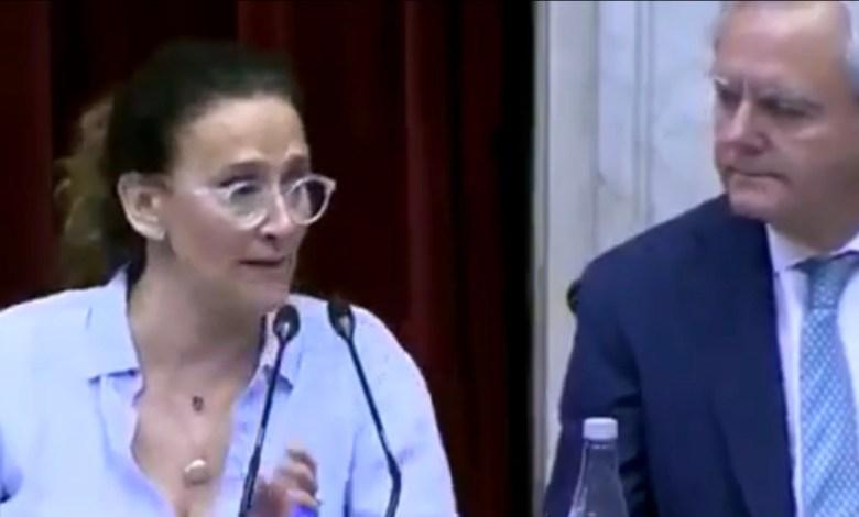 Photo of IMPERDIBLE| La cara de Michetti en el Senado cuando proclama a Alberto y Cristina