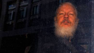 "Photo of ""Julian puede morir en la cárcel"" denuncia el padre de Assange"