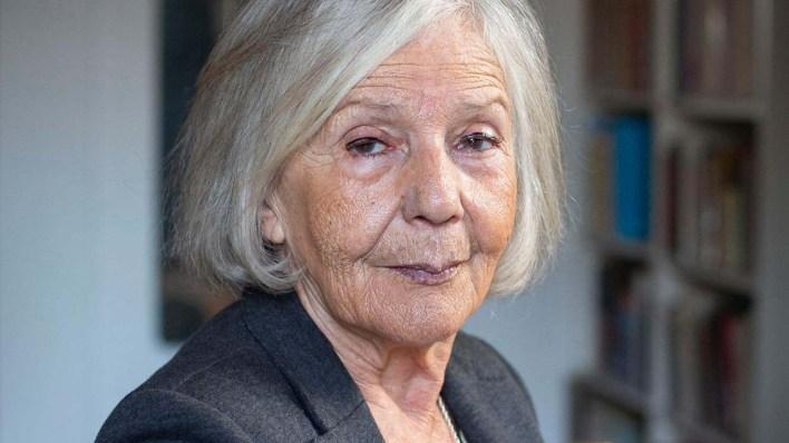 La ensayista consideró que el permiso para los mayores de 70 años es un estado de sitio selectivo