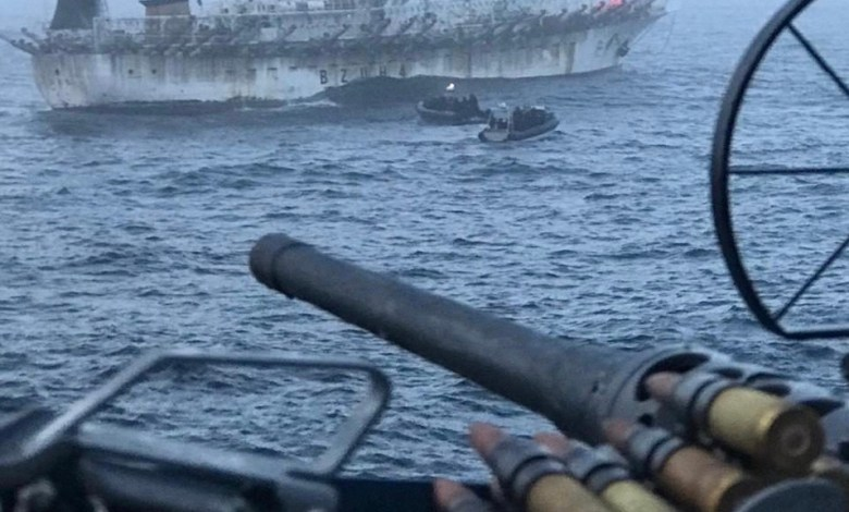 Photo of La Armada Argentina capturó buque chino: llevaba más de 300 toneladas de pescado