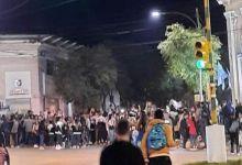 Photo of La Promo 20 rompió la cuarentena y salió a celebrar el Día del Estudiante