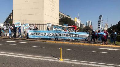 Photo of Otra marcha opositora, con violencia y adhesión al golpe del 76