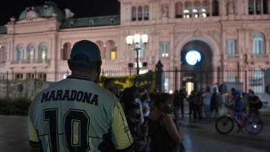 Photo of Velatorio popular de Maradona en la Casa Rosada