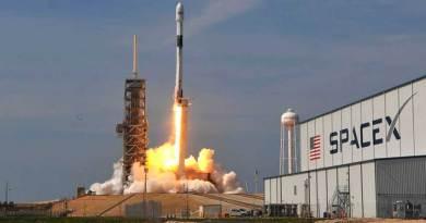 SpaceX lanza con exito la primera misión tripulada privada de la historia
