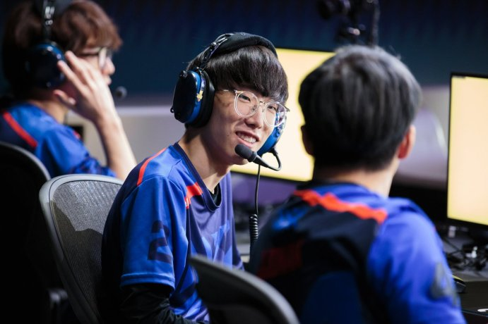 Overwatch JJoNak Steals Show At All Star Game