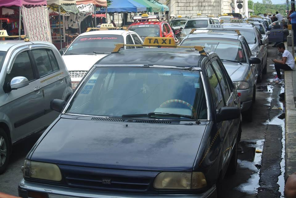 Transportistas amenazan con paro total en León
