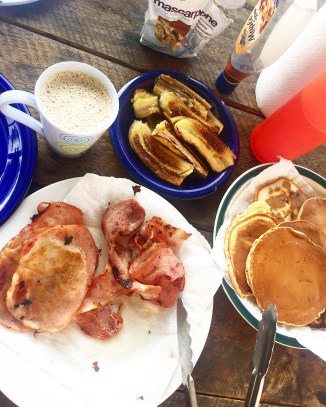 Bacon, choc chip pancakes, grilled banana's, mascarpone cream and coffee!