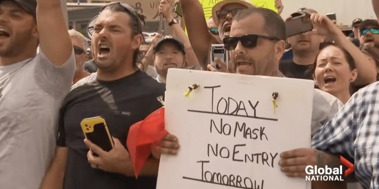 Anti-maskers protest Justin Trudeau