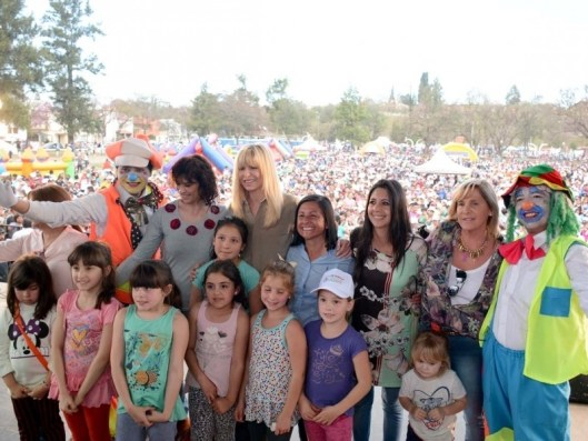 miles-de-familias-jujenas-participaron-de-la-celebracion-por-el-dia-del-nino-organizado-pro-el-gobierno-de-la-provincia_20755