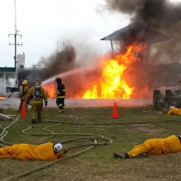Realizan simulacro de incendio de pipa en Chiapas