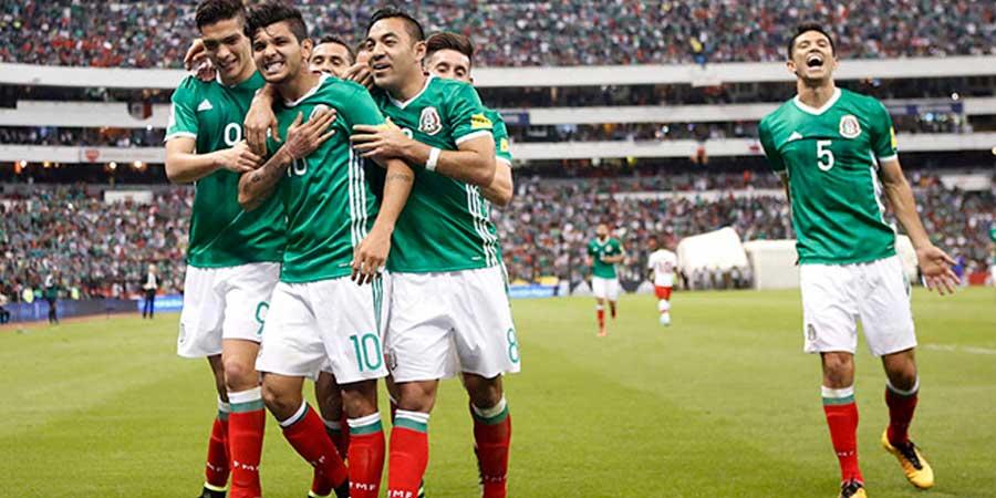 México asegura su pase al hexagonal con un 'Tecatito' inspirado