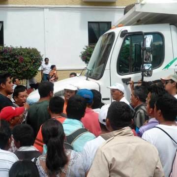 Conflicto entre transportistas en la modalidad de camiones de volteo en Unión Juárez