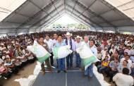 En Chilón, entrega Velasco más de 16.5 mdp en apoyos a mujeres y hombres del campo