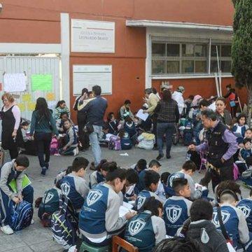 Podría haber más docentes despedidos en la capital: SEP