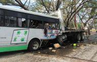 Se brinda puntual atención a lesionados de accidente frente a Pemex en Tuxtla