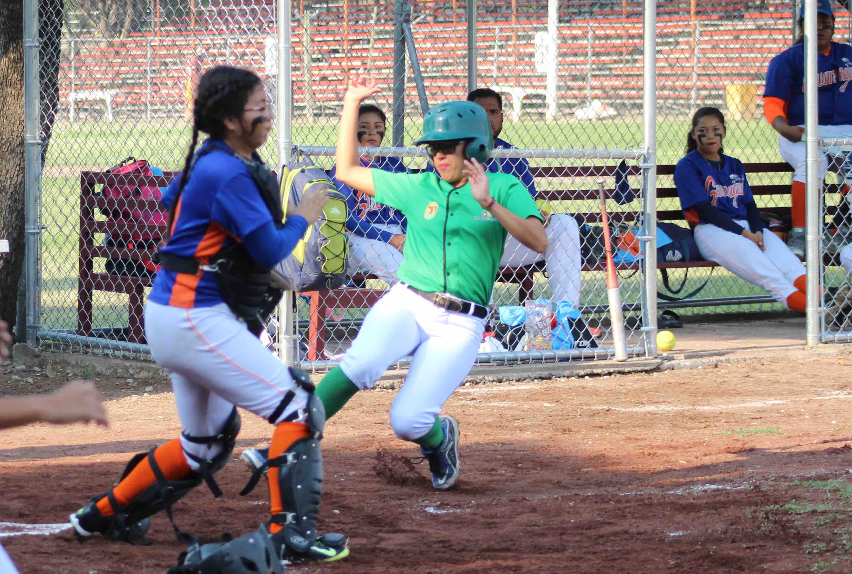 Por nocaut, softbol femenil le gana a Guanajuato