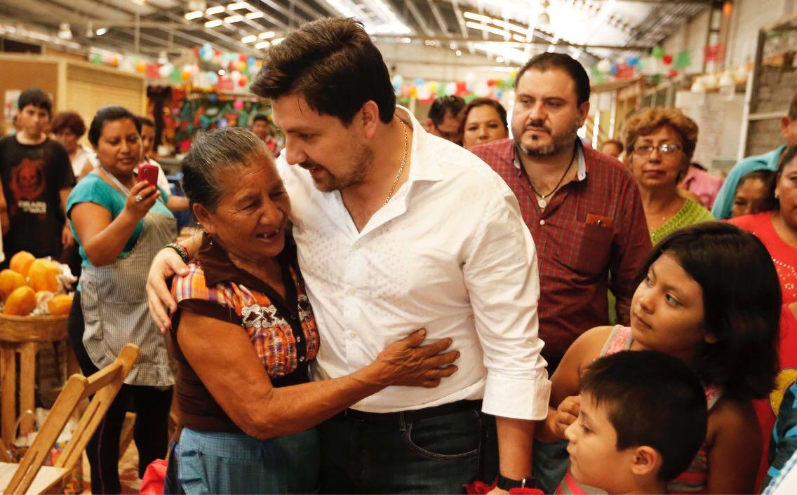 Por primera vez locatarios de Tuxtla tendrán escritura pública: Fernando Castellanos