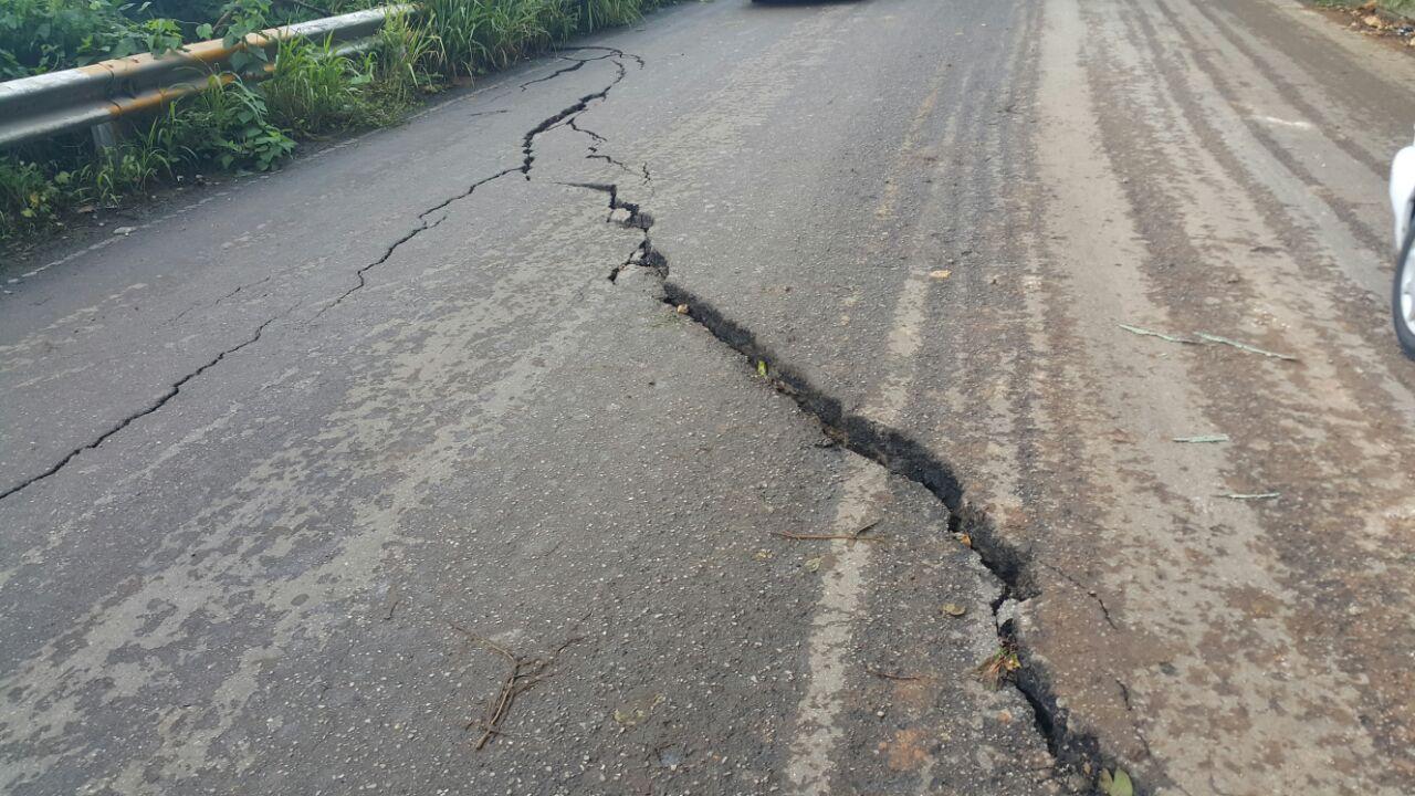 Por afectaciones graves se suspende el tránsito en tramo de la carretera Copoya-Tuxtla