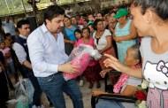 Entrega Fernando Castellanos ayuda humanitaria para enfrentar la temporada invernal