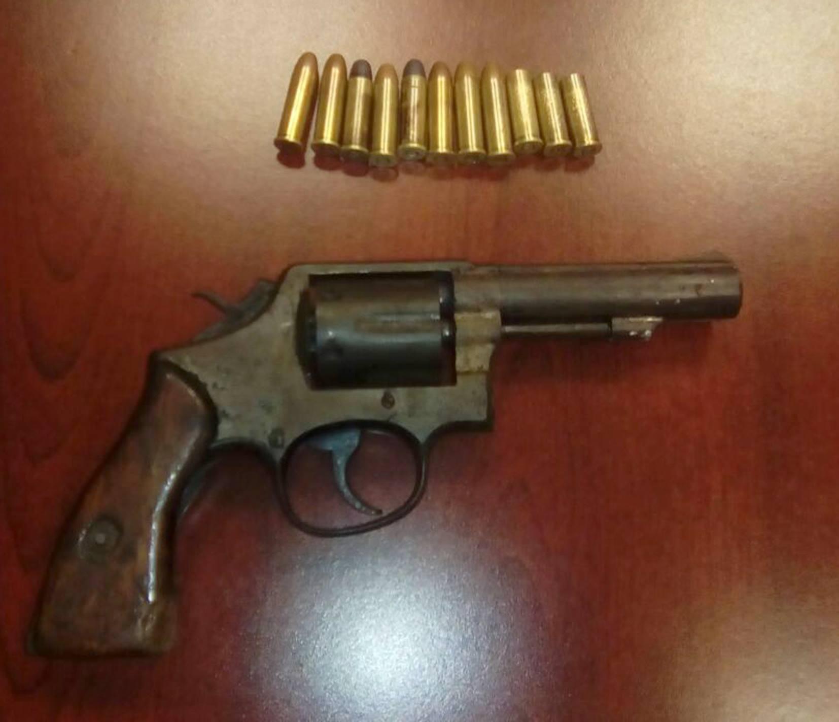SSyPC detiene en acciones simultáneas a personas con armas de fuego