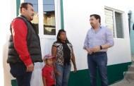 Combate Fernando Castellanos el hacinamiento en Tuxtla con más cuartos dormitorios