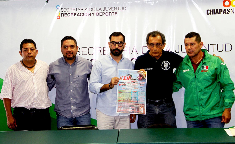 """Tarahumaras presentes en """"Carrera del Parachico"""""""