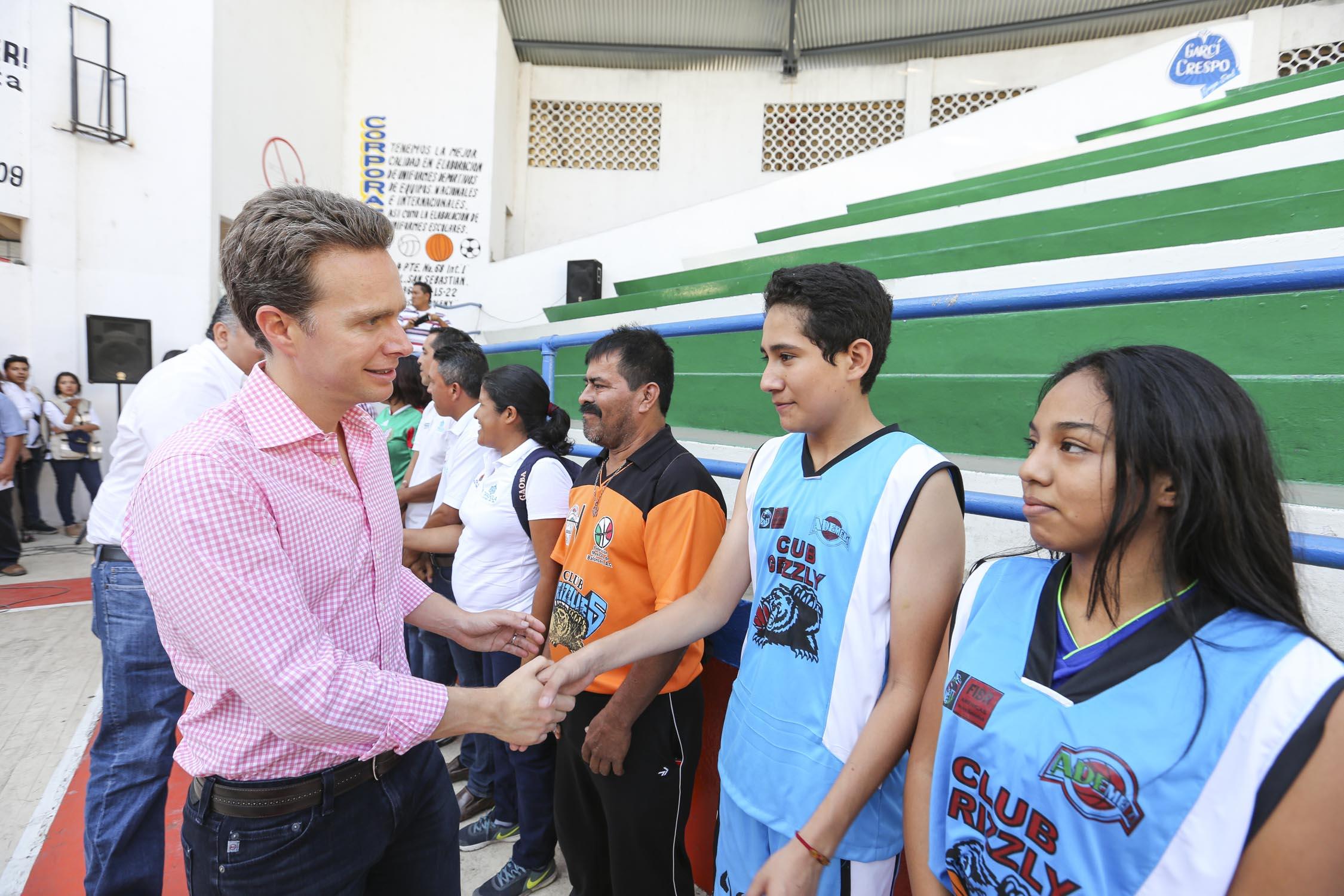 Gobierno de Velasco acrecienta infraestructura deportiva en Tapachula