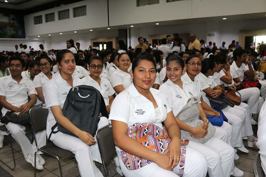"""Asisten jóvenes del CECyTE Chiapas  a conferencia """"Chiapas hacia Marte"""""""