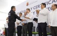 Entregan Velasco y Navarrete títulos y certificados de Licenciatura a policías estatales