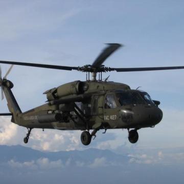 Cae helicóptero militar de EU y mueren sus ocupantes en California