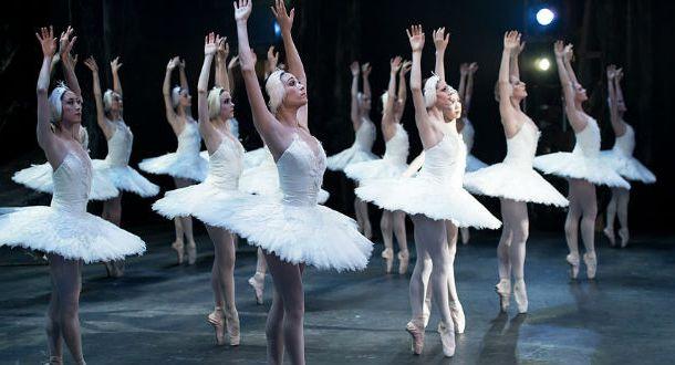 El lago de los cisnes regresa al Palacio de Bellas Artes