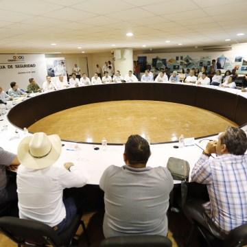 Pide Gobernador a alcaldes redoblar la seguridad en sus municipios